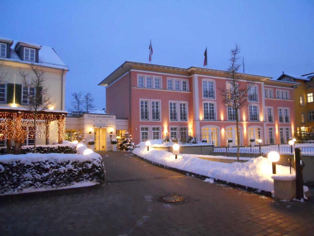 weihnachtsarrangement bamberg hotel villa geyersw rth. Black Bedroom Furniture Sets. Home Design Ideas
